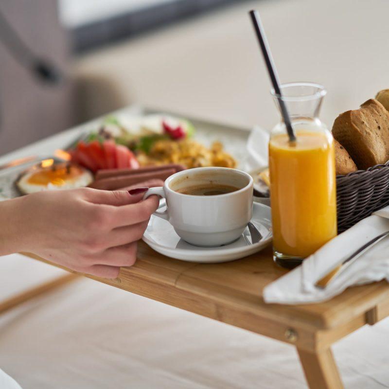 hotel-noha-guventeddu-pula-sardegna-colazione-in-camera
